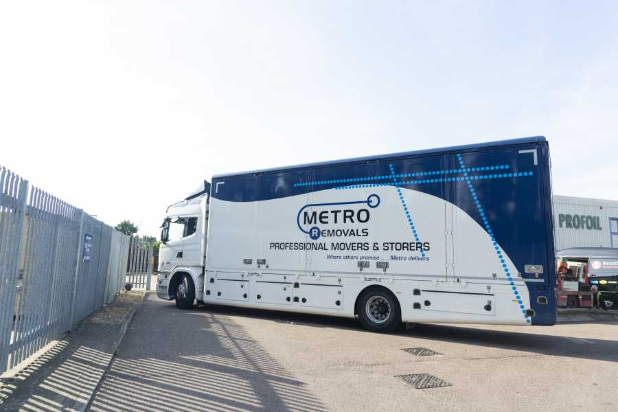 What are the benefits of using a removals company?